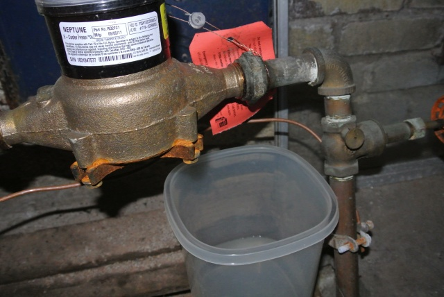 Water meter horn leaking